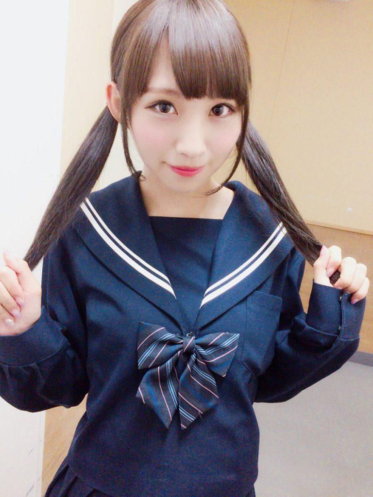 安藤笑(あんどうえみ)の可愛い制服姿